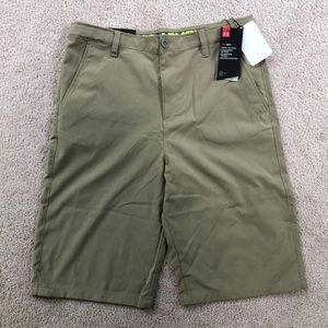 Youth XL Under Armour shorts NWT